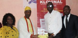 Head, Sales and Marketing, Seagreen Pharmaceutical Limited, Mr Adelodun Adeniyi Wasiu, presenting a gift to the representative of the Akarigbo of Remoland, Chief Adeyemi Salami, Lisa of Ofin, Sagamu, recently