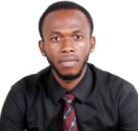 Frank Eze Wins Pharmanews Young Pharmacist of the Year Award
